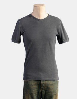 More information or Buy online MAN - D&G - TOP WEAR - SHORT SLEEVE T-SHIRT - AT YOOX
