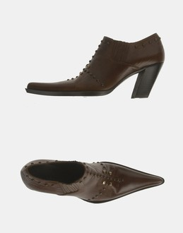 More information or Buy online WOMAN - DÉBUT - FOOTWEAR - SHOES - AT YOOX