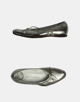 More information or Buy online WOMAN - KING - FOOTWEAR - BALLET FLATS - AT YOOX