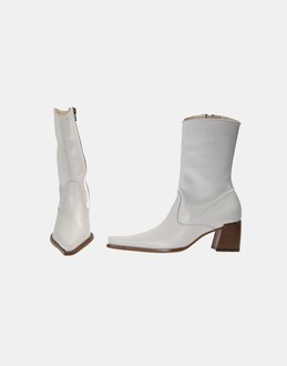 More information or Buy online WOMAN - JANET & JANET - FOOTWEAR - ANKLE BOOTS - AT YOOX