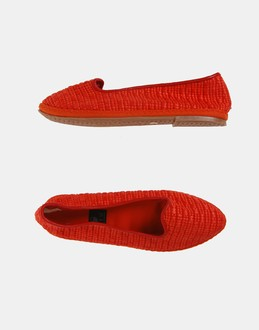More information or Buy online WOMAN - NIU' - FOOTWEAR - BALLET FLATS - AT YOOX